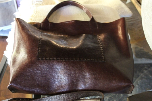 italian leather - american design + craftsmanship - can it get any better?  beautiful bags made in chelsea mass by sophia troung