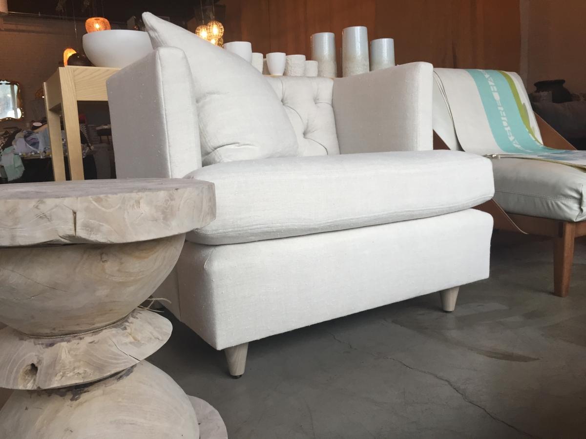 marilyn-chair-upholstered-with teak-verellen@artefacthome