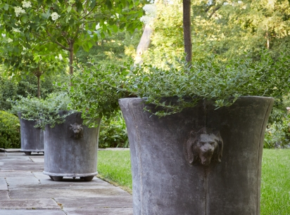 lion-planter-standards-smalls-pn-artefacthome