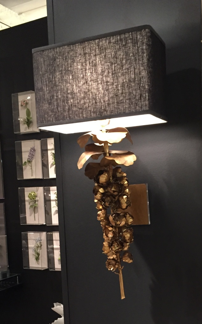 brusselssprout-sconce-bl-shade