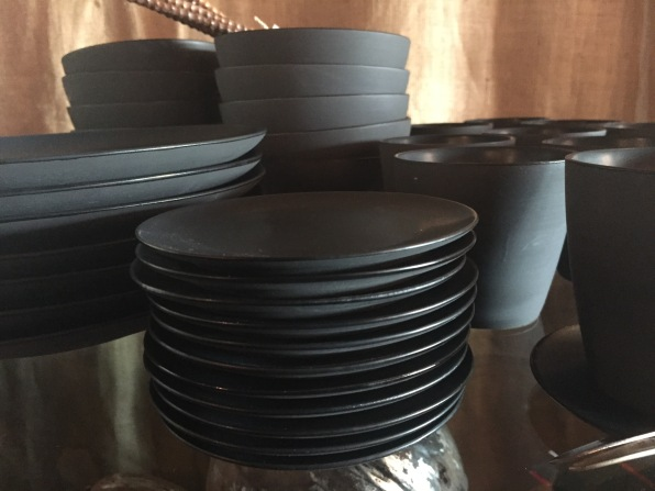 new-tableware-matte-black-1