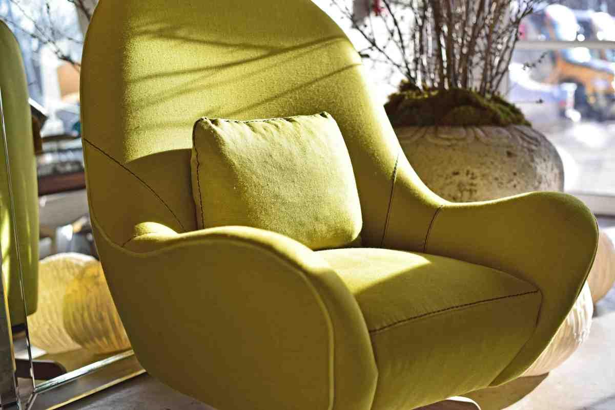 lutz-swivel-chair-chartreuse-linen-verellen@artefacthome
