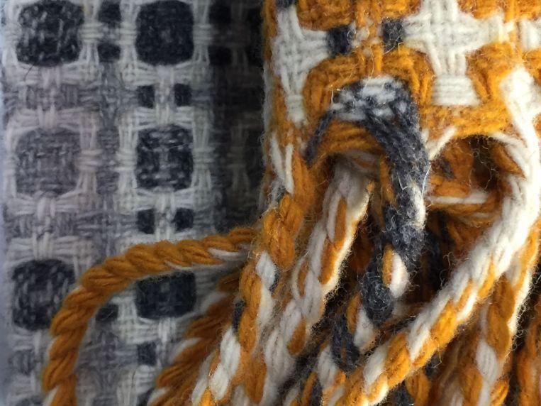 tx-wool throw-portugal