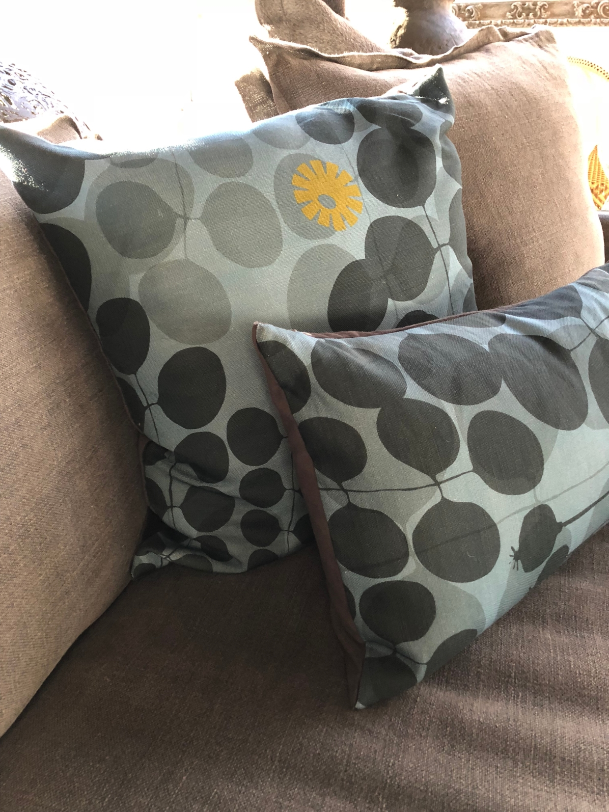 tx-poppy+dandy pillow 2@artefacthome