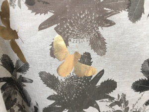 artefacthome@nynow-golden bee on linen table cloth