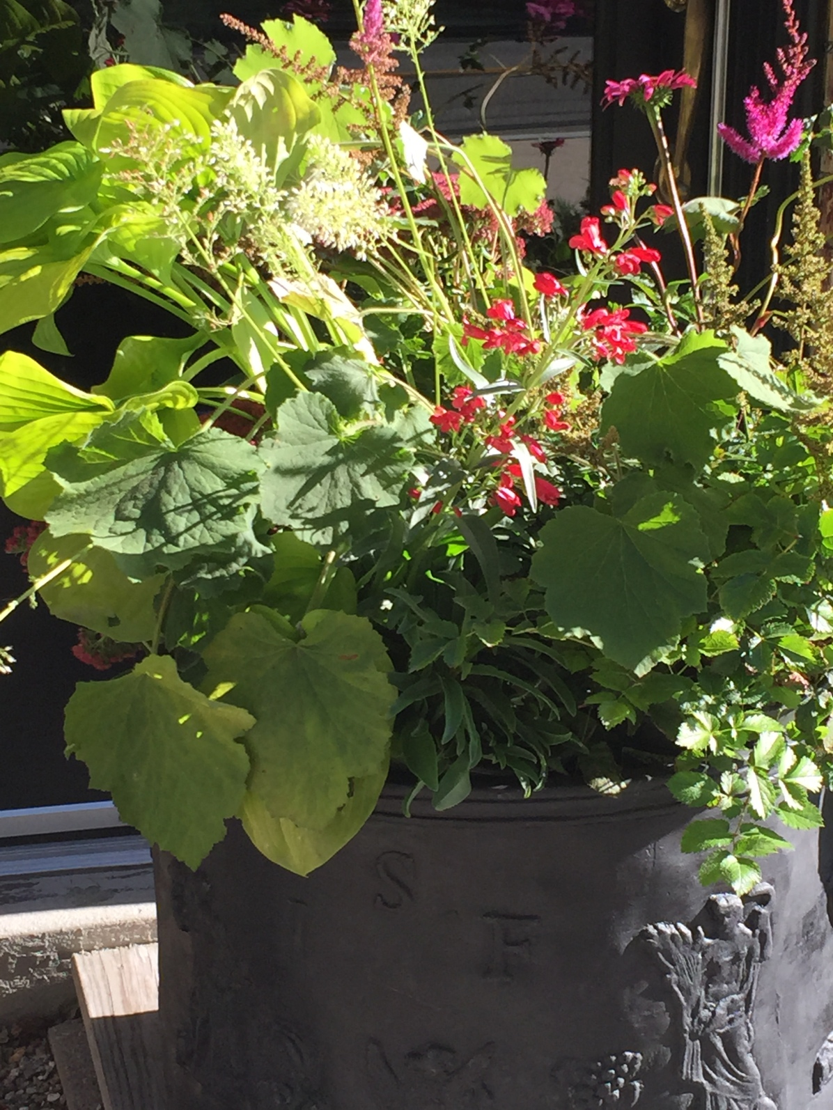 autumn planter detail-ladew planter-pennoyer newman@artefacthome