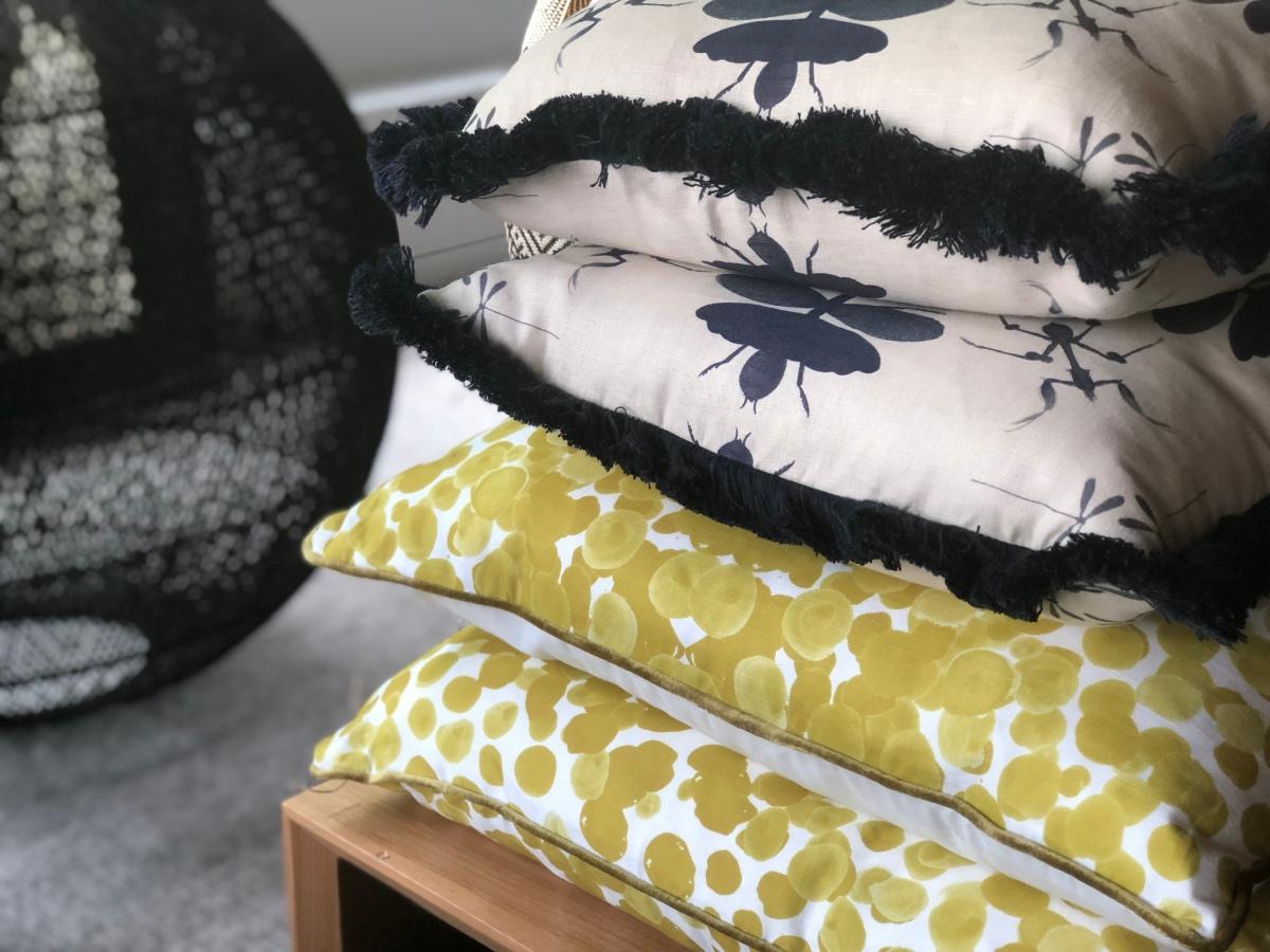 pillows-citron-indigo-artefacthome