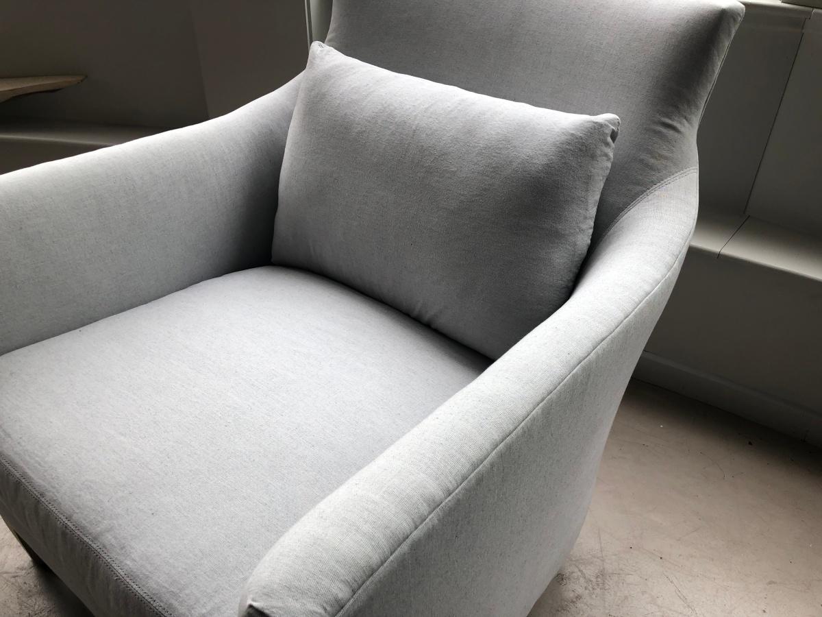 victor-chair-uph sawyer grey-double needle detail 2-verellen@artefacthome